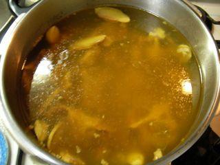 牛テールスープを圧力鍋で煮込んだところ